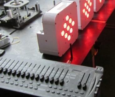 PAR 12X12 RGBWA avec batterie et recepteur DMX